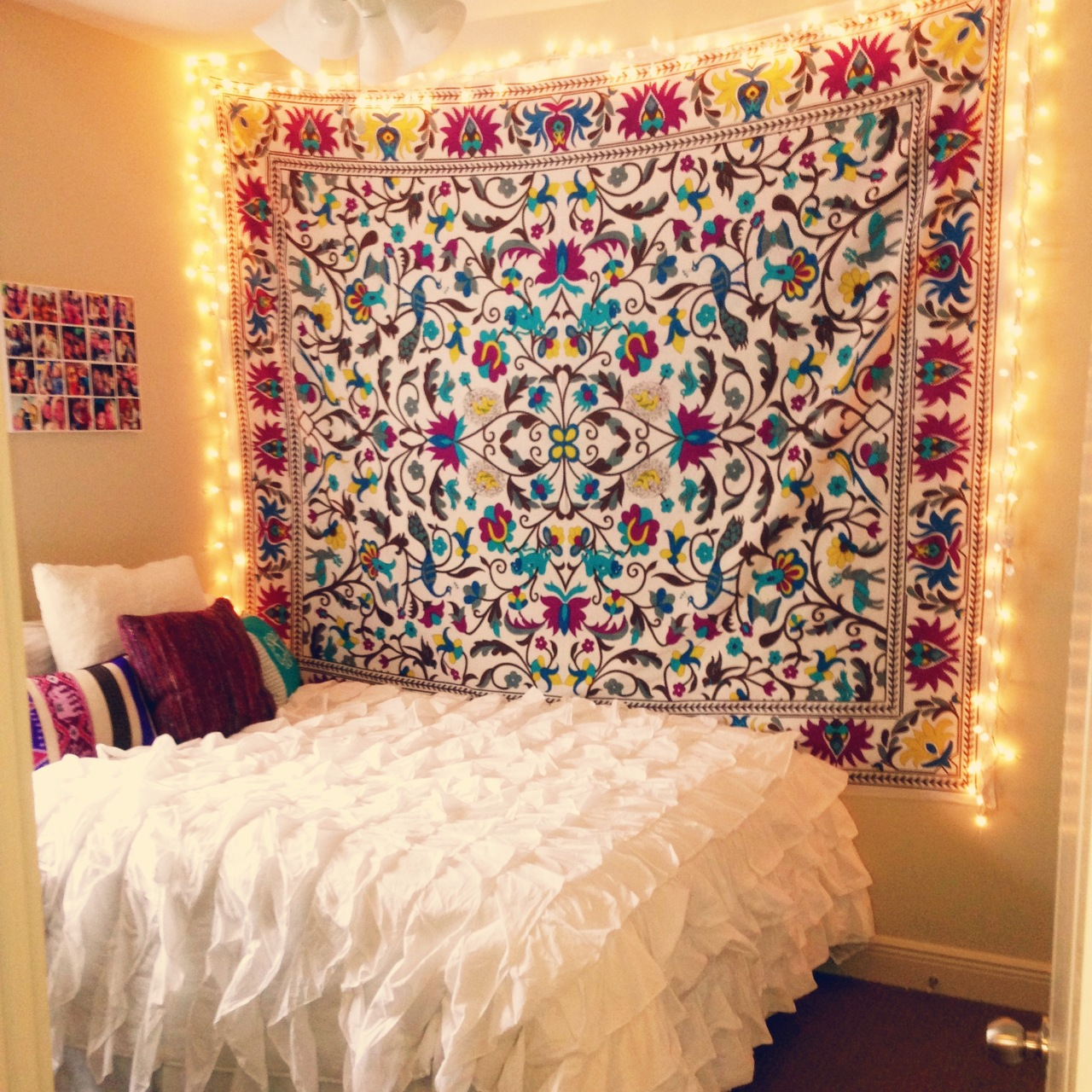 Decorating Ideas > Top 10 Dorm Room Themes  AdmitSee ~ 054341_Dorm Room Ideas Girl 2017