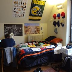 Top 10 dorm room themes admitsee for College bedroom ideas for guys